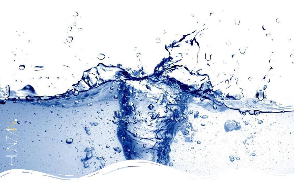 Tutti i benefici specifici del bere acqua nella giusta dose