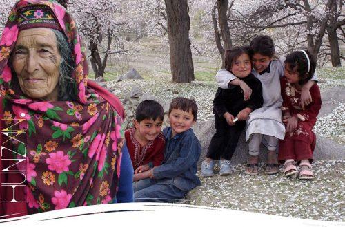 Bambini storia popolo Hunza