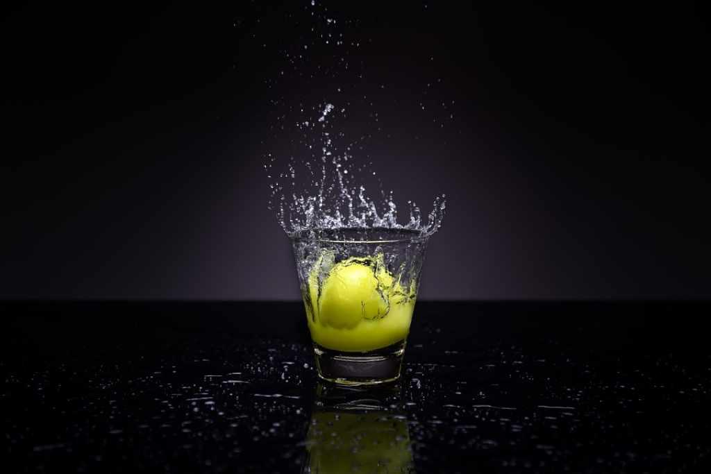 quando non bere acqua e limone