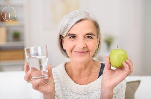Idratazione per gli anziani: regole da seguire